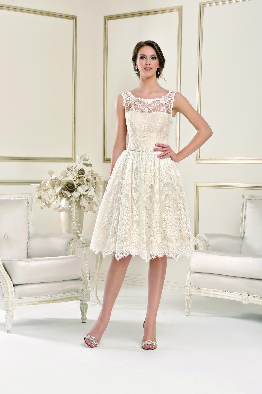 Kurze Brautkleider in allen Größen und Stilrichtungen